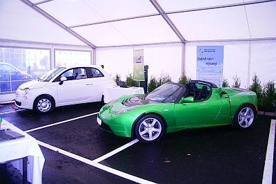 Teslan knockar volvon i energimatchen